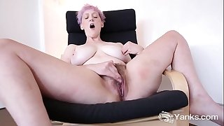 Perky Woman Vera Blue's Hot Furry Pussy Loving