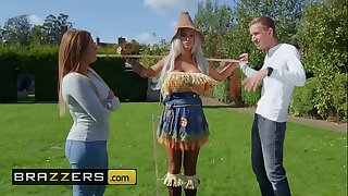 (Brooklyn Blue, Danny D) - Sex With The Scarecrow - Brazzers