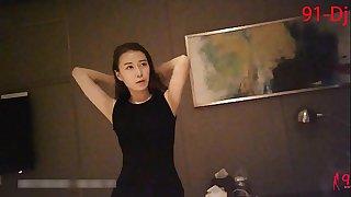 网红173cm性感长腿高跟黑丝杂志模特翘臀美胸舔硬了再操爽歪歪