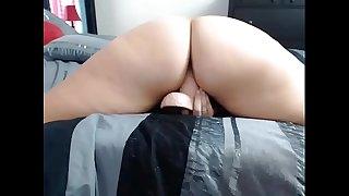 Chatty Cam Babe Big Ass Dances and Fucks