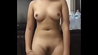 Lovely Chick Nude Dance Clip